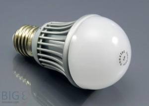 LED Birne E27 von Nextec - ersetzt 40 Watt
